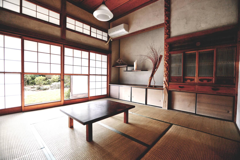 1つ目の和室 昔ながらの雰囲気をそのまま残しています